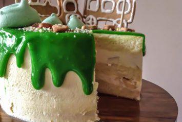 detskij-tort-bez-mastiki-kusochek-355x237.jpg