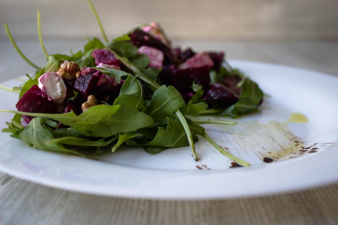 Салат из свёклы с брынзой