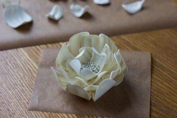 Цветок из шоколада