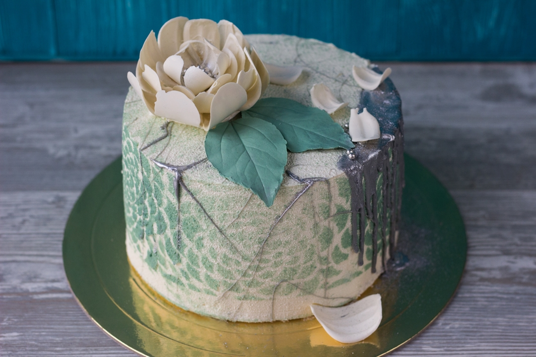 Покрытие торта велюром