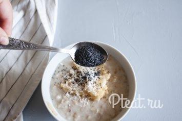 Овсяная каша с грецким орехом и малиной - рецепт пошаговый с фото