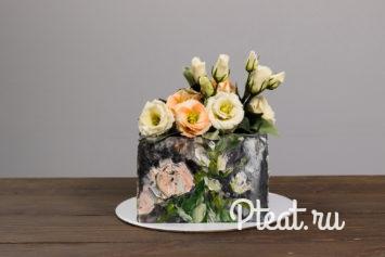Шоколадные цветы на торте